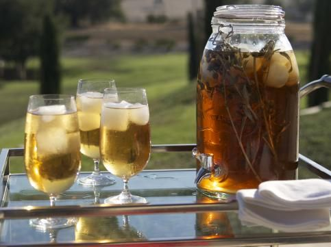 Iced Greek Mountain Tea is the perfect summer beverage! Healthy and refreshing!