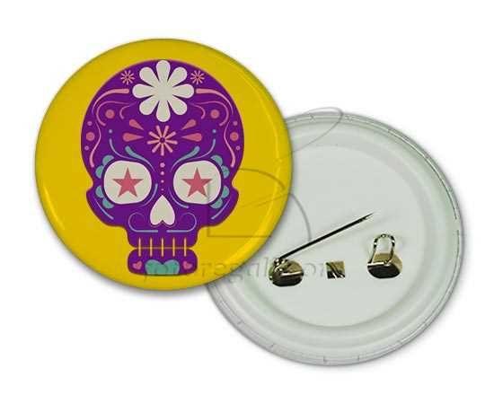 spilla rotonda personalizzata con teschio viola