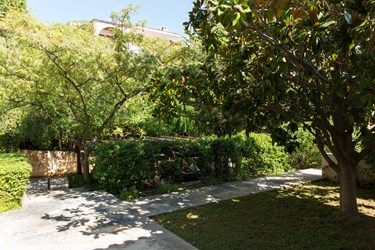Back #garden.  The #gardens extend on the front and the back of the house, providing different sitting options depending on your preference and also the time of day. #landscaping #outdoors #vacationrental