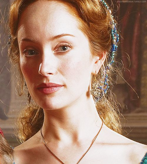 "Lotte Verbeek as Guilia ""La Bella"" Farnese in ""The Borgias"""
