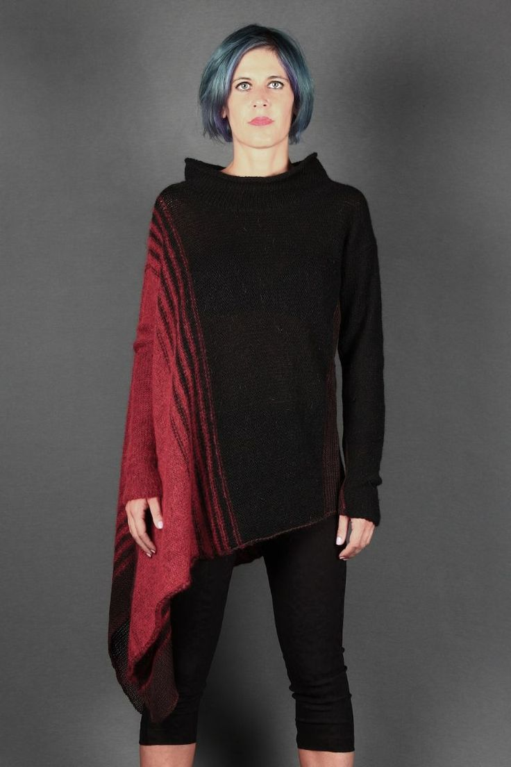 -35% Flax 24% Wool 15% Mohair 11% Acrylic 8% Polyamide 7% Angora -Color : Black / Red -Model is 168 cm and wears a size S -Available Size: S - M - L