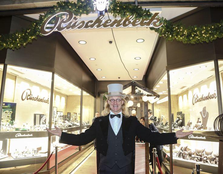 Eventmanagerin Ellen Kamrad unterstützte Weihnachtsfeier des Juweliers Rüschenbeck tatkräftig