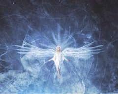 """Conservation de l' Energie de l' Ame : par Peter Deunov - """"Tu seras dans la main de l'Eternel une couronne. """" Esaie 62 : 3  Le mot couronne a deux significations. Sous ce mot on comprend le juste mouvement en rond, la juste donne. Tous les corps dans l'espace, qui conservent leur énergie, circulent dans une orbite en forme de cercle."""