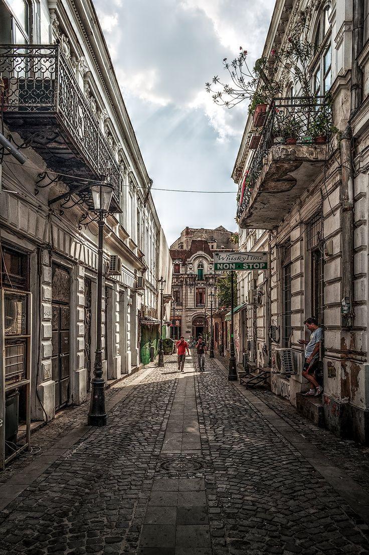 Old City Bucharest, Romania, www.romaniasfriends.com