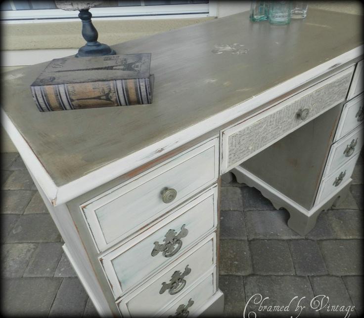 Refurbished desk-colors<3