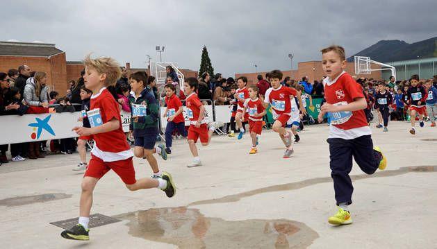 Mil atletas participan en el cross José Javier Esparza | diariodenavarra.es