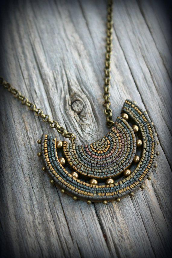 Arcilla del polímero colgante collar verde tierra tribal Wicca metafísica espiritual curativo encanto boho Bohemia joyería