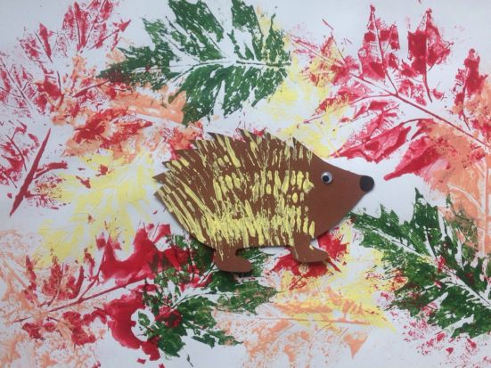 Vom stacheligen Igel und bunten Blättern – oder – Herbstliches Basteln für…