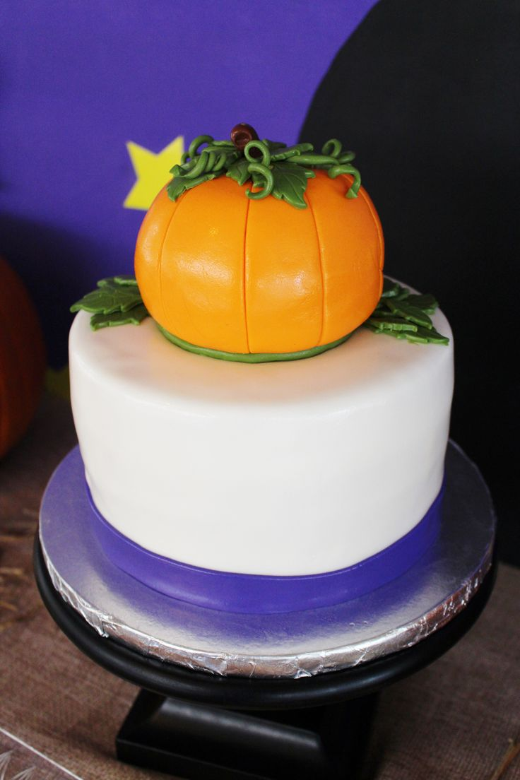 The 16 best images about Great Pumpkin Charlie Brown Party Ideas ...