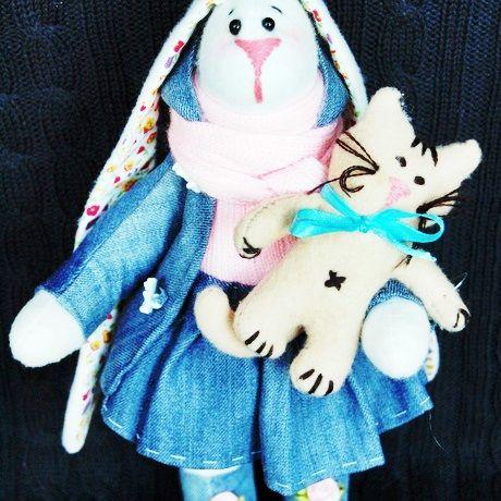 С гордостью представляем замечательные работы участницы проекта Abbigli.ru Фокиной Натальи. Мастер изготовляет интерьерных, чердачных, текстильных кукол. Также делает кукол в стиле тильда, текстильные буквы и многое другое.  Взгляните на красочную витрину рукодельницы http://abbigli.ru/profile/2156/ и вам обязательно захочется сделать заказ.  Abbigli.ru приглашает мастеров присоединяться к компании единомышленников, заполнять витрины и ждать благодарных покупателей!  #Abbigli #хендмей