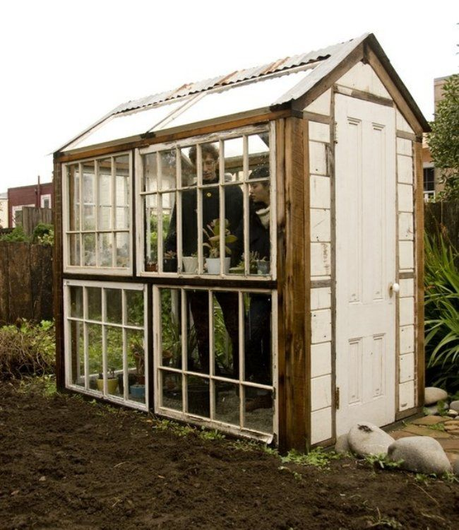 Greenhouse Apartments: 25+ Best Ideas About Old Window Greenhouse On Pinterest