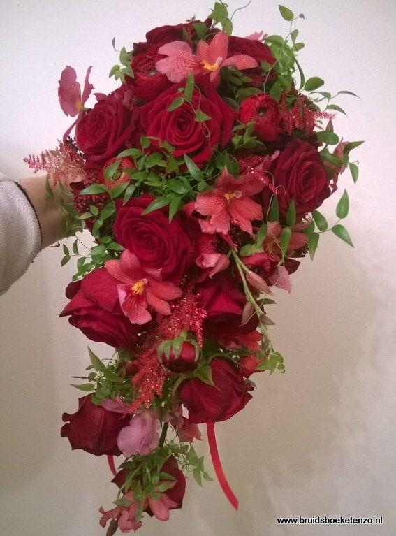 bruidsboeket druppel rood rozen orchidee ranonkel