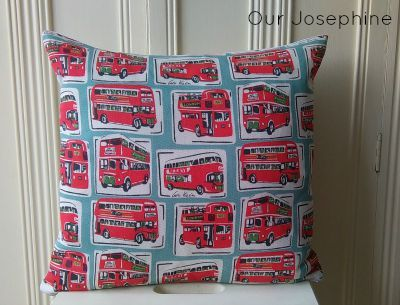 Our Josephine Sews… A Square Zipped Cushion