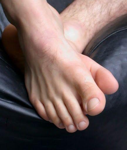 Male foot escorts