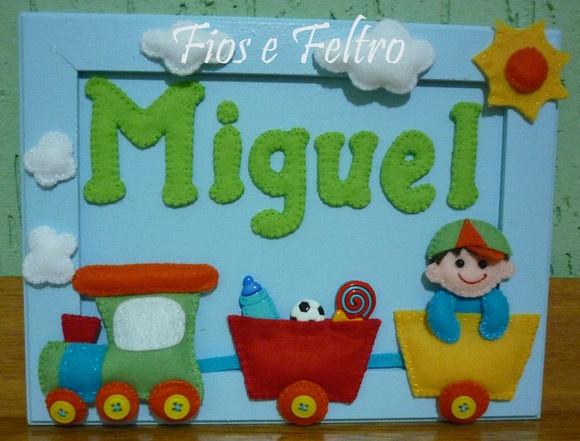 Quadro em  MDF com enfeites em feltro.  Ideal para porta de maternidade e quarto de bebê. R$32,00