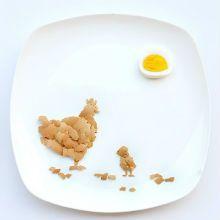"""O artista da Malásia e arquiteto Hong Yi (que atende pelo apelido de Red) vai postar uma """"obra de arte"""" feita de comida em seu Instagram, em um prato branco"""