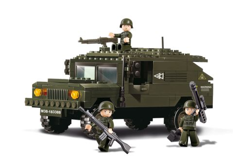 Sluban fra SBDanmark er et godt alternativ til de dyre klodser og er fuld ud kompatibel med mærker som f.eks Lego. Militær Hummer http://www.sbdanmark.dk/index.php/army/sluban-armored-car-m38-b9900