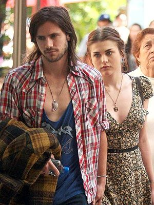 Frances Bean Cobain and Isaiah Silva Dating: Inside Their Private Romance : People.com