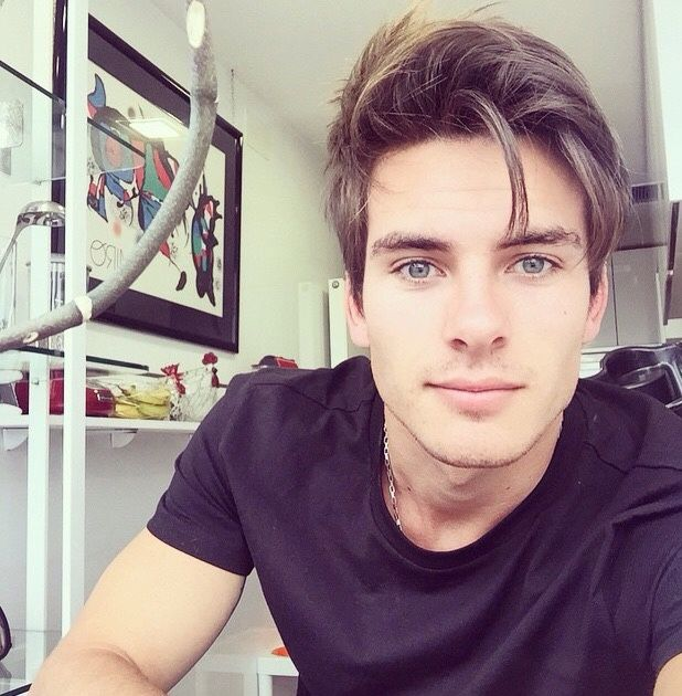 Andrés Ceballos and his Hair + Dvicio — @dvicio_andres 5 meses ...