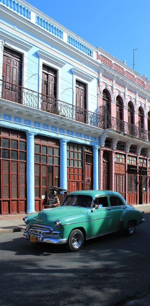 #cuba #cienfuegos #city #town #ville #batiment #building #voiture #car