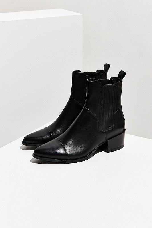 separation shoes 27ae4 c0829 Mit diesen eleganten Chelsea-Boots aus hochwertigem Leder ...