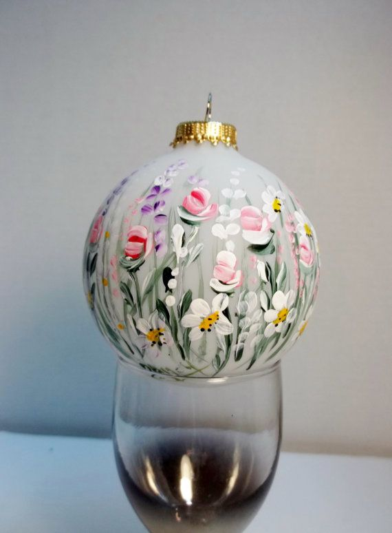 Top 25 ideas about holiday christmas ornaments on for Glass christmas ornaments to paint