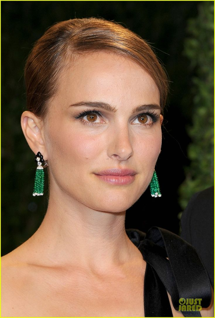 Natalie Portman #VanityFair Oscar Party 2013 #AnnaHu emerald tassel earrings