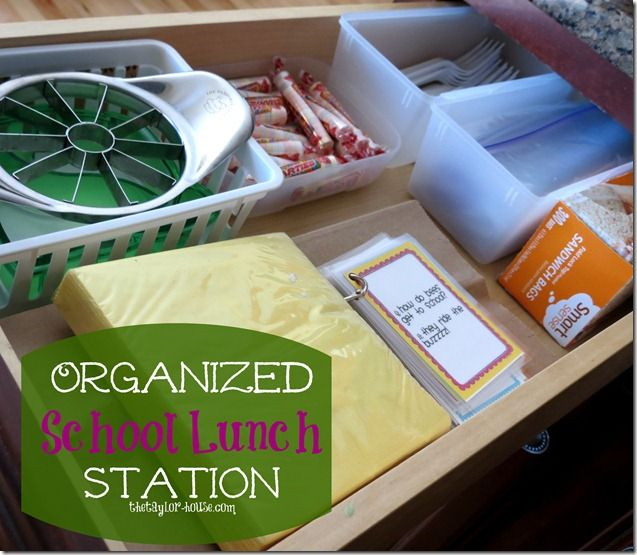 school lunch tip - organized school lunch packing station, Living on Love and Cents