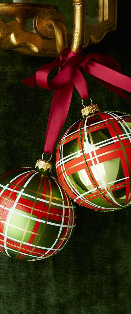Glossy Green Plaid Ornaments...Fabulous...