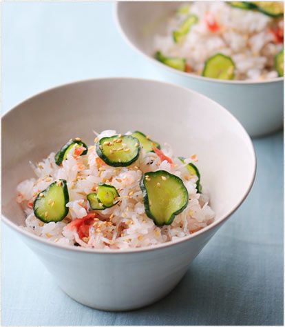 笠原シェフの「梅の混ぜご飯」レシピ Japanese Mixed Rice for Hot Summer: pickled plum (ume), baby white anchovy (shirasu), sliced cucumber, sesame. #cookpad