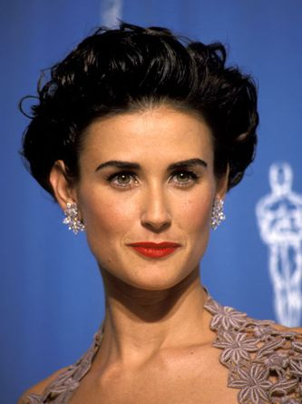 Short hair like Demi Moore Frm bd: Styles I like (on Demi! U hve to hve a gorgeous feature or 2 or 3+, somewhere, to pull ths off!)