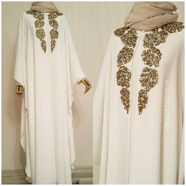 Çok sevilen işlemeli #pelerin ➡birçok rengi mevcuttur ❗Bu ürün dış kıyafeti olarak üretilmemistir. #Cilbab - larınızı üzerlerinize alınız..