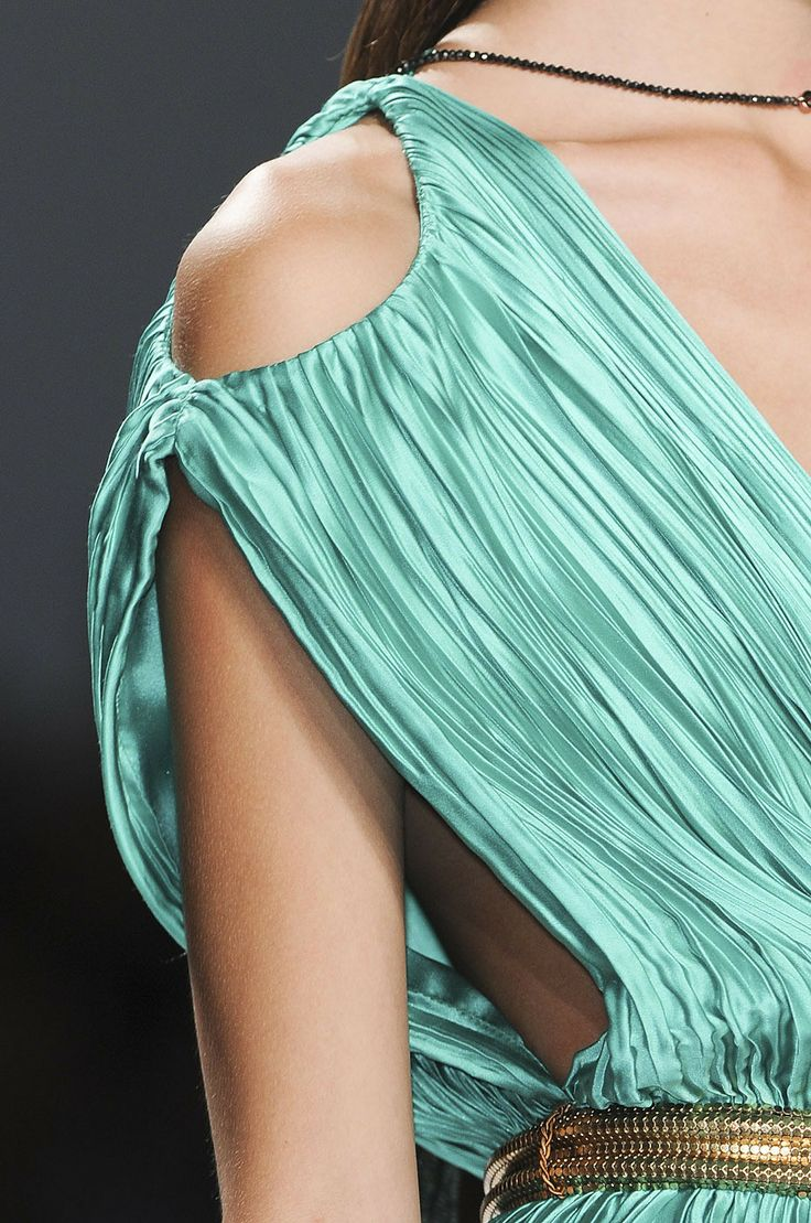 Carlos Miele Spring 2012 rtw: Fashion Details, Aqua Teal Turquoi, Color, Classic Fashion, Fashion Shoulder, Exquisite Gowns, Aqua Dreams, Carlo Honey, 2012 Rtw