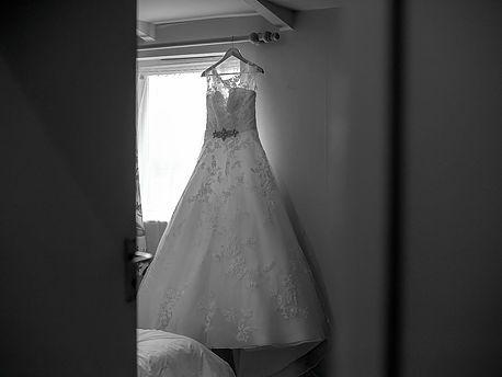 Walker & Jones | Natural, stylish wedding photography