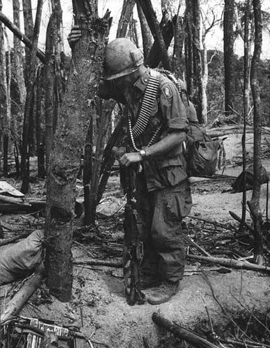 After the slaughter on Hill 875. Battle of Dak To. 173rd Airborne. Vietnam War