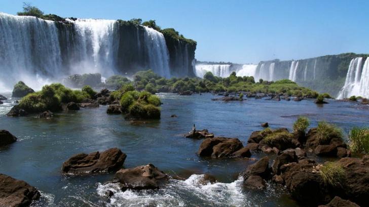 "Cascada Iguazu, inclusă între cele ""7 Minuni ale Lumii"" http://www.realitatea.net/cascada-iguazu-inclusa-intre-cele-7-minuni-ale-lumii_946944.html#ixzz1x72cWeol: Fall Beautiful, Nature Wonder, Iguazu Fall, Latin America, South America, Patagonia Argentina, Victoria Fall, Niagara Fall, The Buckets Lists"