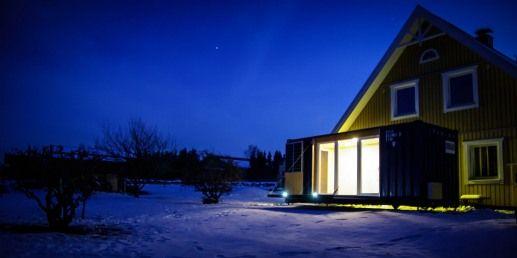 Überseecontainer als Ausgangsbasis für ein Mikrohaus bieten architektonische Designelemente. Die Integration pfiffiger und innovativer Lösungen machen aus diesem Kleinstraum eine Miniwohnung, die einzigartig und unverwechselbar in Gestaltung und Ausstattung ist.