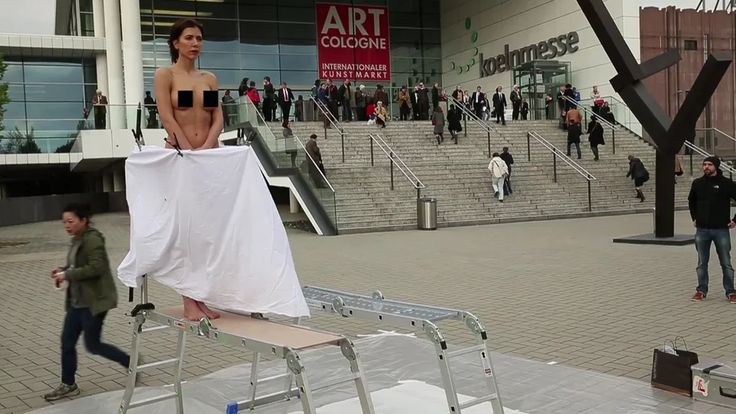 """THE PLOPEGG PAINTING PERFORMANCE#1 @Art Cologne - """"A BIRTH OF A PICTURE"""" (2014) on Vimeo"""