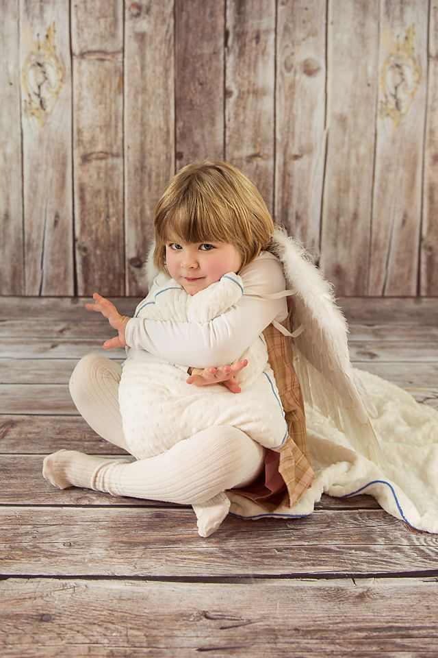 Soft and nice to touch, delicate and white like a Cloud. LilleBird SOFT Cloud Cushion for children.