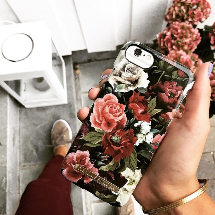 Antique Roses by lovely @piamadis - Fashion case phone cases iphone inspiration iDeal of Sweden #roses #flowers #gold #fashion #inspo #iphone #rosa #phonecase
