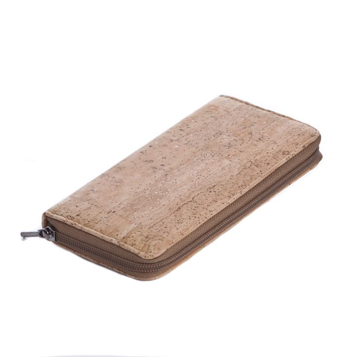 Zip #Wallet made of silky smooth #cork #leather | 100% #sustainable and #vegan | CHF 94.00 | free delivery & return within Switzerland