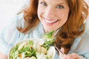 """Рак груди и питание: диетолог составила """"черный"""" и """"белый"""" список продуктов для женщин"""