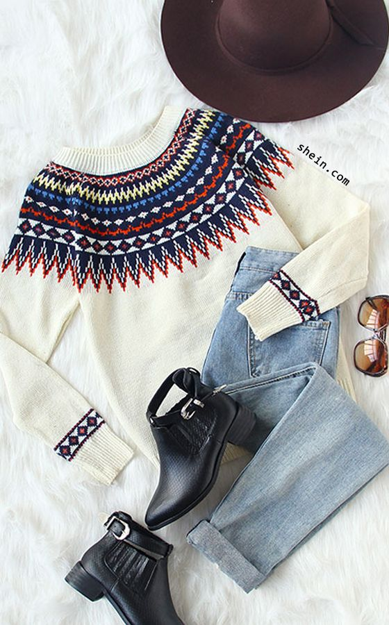 Cozy fall style-Beige geometric print sweater outfit.