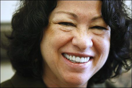 Sonia Sotomayor and Rita Moreno discuss men, moms, love, life