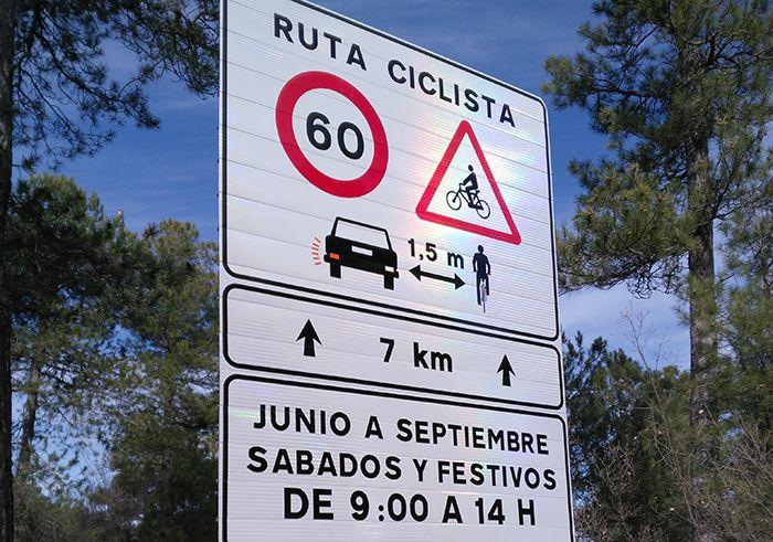 Con la elaboración de 138 rutas seguras para ciclistas de la DGT, este organismo pretende aumentar la seguridad y que desciendan los accidentes. Safety, Signs, Watch, Twitter, Paths, Hang In There, High Road, Deporte, Security Guard