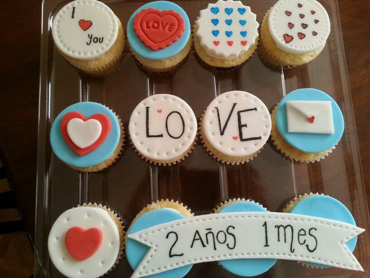 Cupcake Decorating Ideas For Boyfriend : Anniversary cupcakes Stuff I ve made Pinterest ...