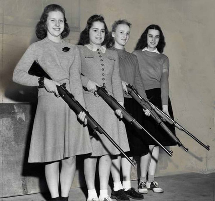 The Girls and Guns Club, University of Chicago, 1940