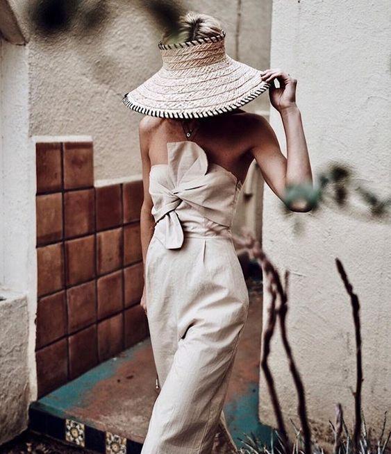 Wesentliche Sommergarderobenstücke #streetstyle #outfitideas #summer #straw hat #m