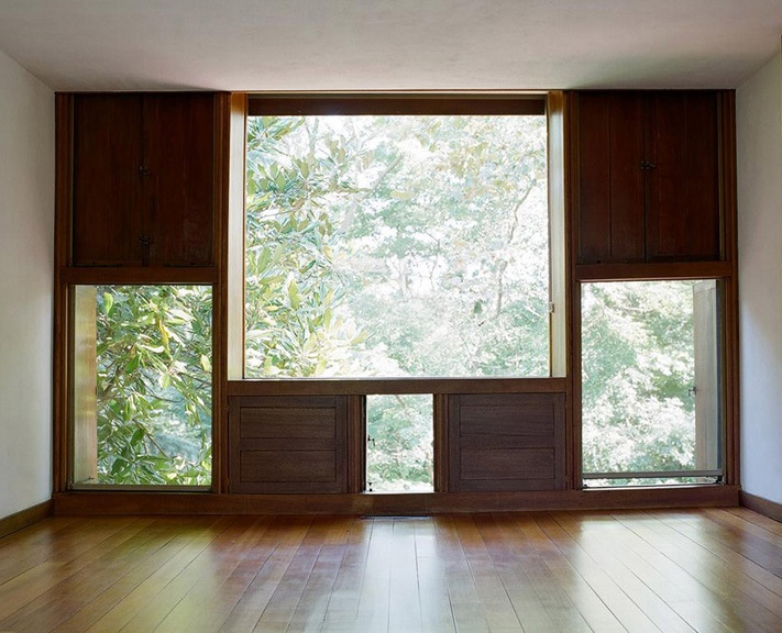 inspiration: big windows with treetop views: Louis Kahns Esherick House, Chestnut Hill                              #Anthropologie #PinToWin