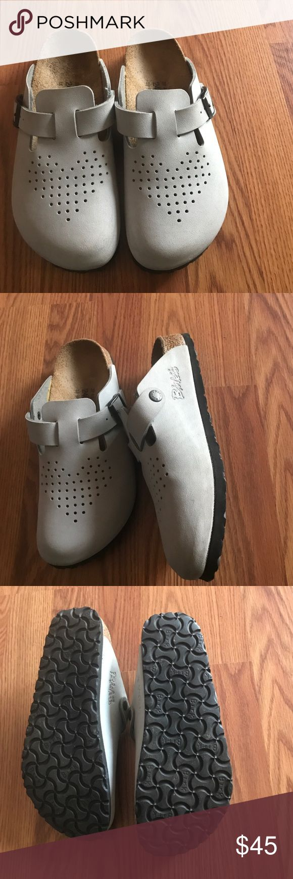 Light grey birkis sandal vegan leather like New Vegan Birkenstock sandal perfect color. Like New used very few times. The sizes is 37 or 240mm it can fit size 6-7 women        Made in Germany 🇩🇪          If you're unsure if it will fit you I measure the sandal from top to bottom it measures 10' hope that helps Birkenstock Shoes Sandals